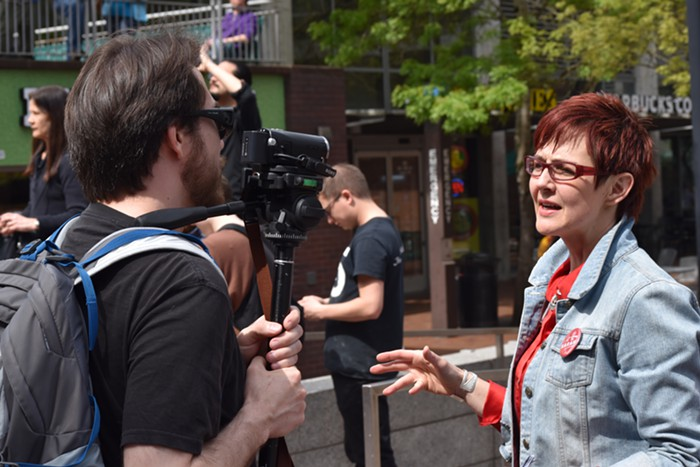 A guy who runs a right-wing Youtube page interviews Portland mayoral candidate Sarah Iannarone