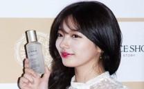 【照片】miss A秀智為The Face Shop新品做足宣傳