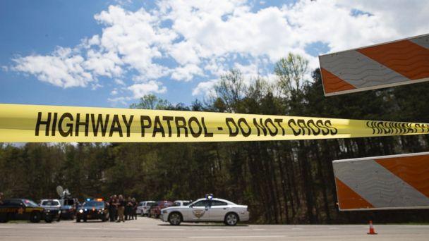 http://a.abcnews.go.com/images/US/AP_Ohio_Shooting_scene_BM_20160424_16x9_608.jpg