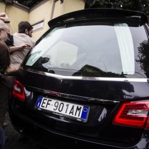 "++ Priebke:salma in chiesa,manifestanti urlano""assassini"" ++"