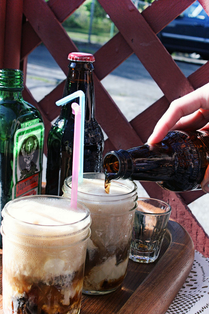 Drunken Root Beer Floats