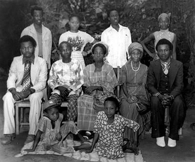 The Onyeulo family of the Ibo Tribe. Some members of the  tribe attribute their origins to the ancient Israelites. Biafra, Nigeria, 1978 Beit Hatfutsot, the Visual Documentation Center Courtesy of Chima Davjudah Onyeulo, Israel