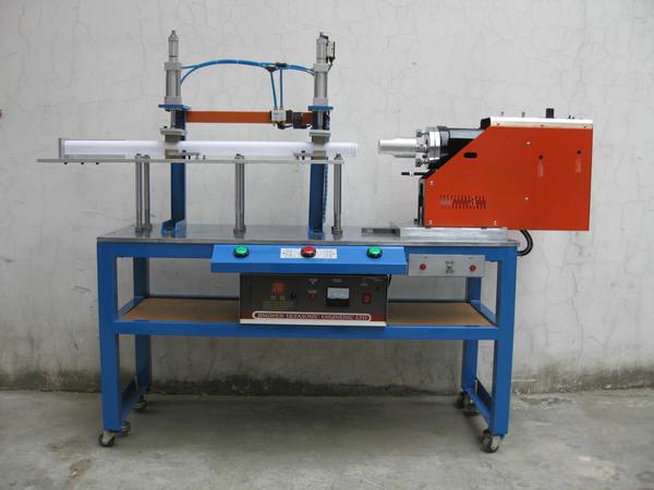 卧式非标型超声波焊接机
