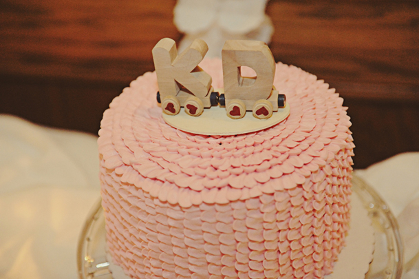 pink-ribbon-cake-kraft-initials-wedding-topper