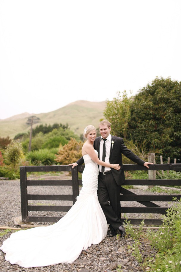 Classic Black and White Inspiration from New Zealand - 25 new zealand wedding
