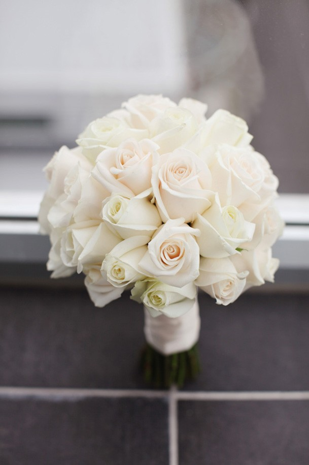 Classic Black and White Inspiration from New Zealand - 6 creme white roses classic