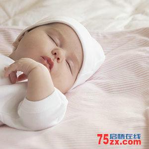 新生儿为何出现频繁打嗝的情况