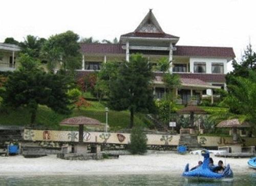 Hotel Murah di Danau Toba Parapat Samosir