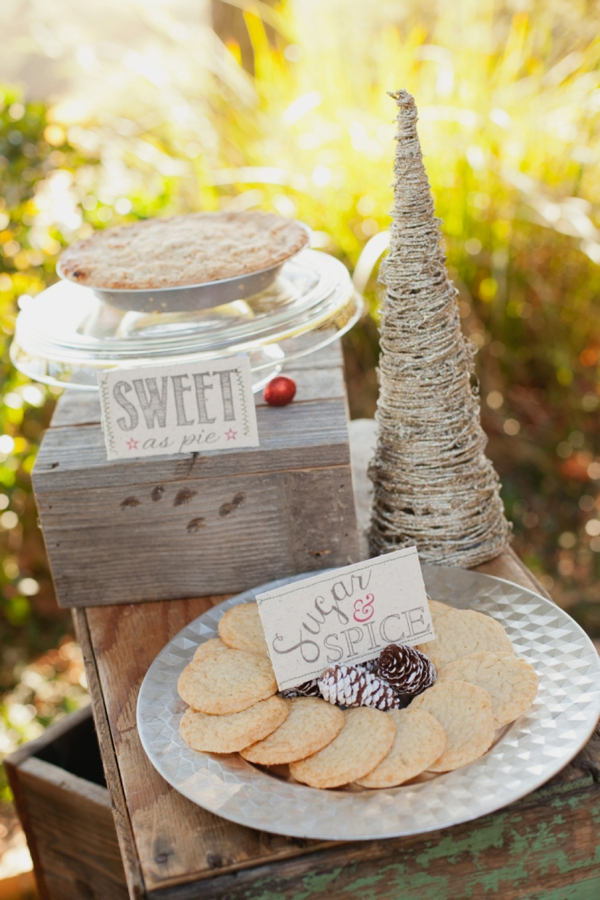 rustic-christmas-wedding-ideas-sweets-and-treats-station