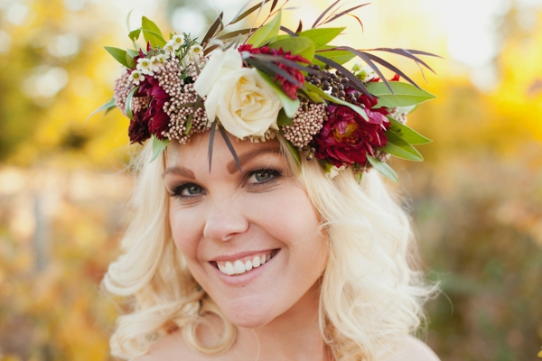 rustic-christmas-wedding-ideas-flower-crown