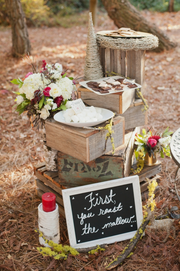 rustic-christmas-wedding-ideas-smores-station