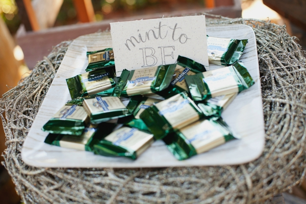 rustic-christmas-wedding-ideas-mint-to-be-favors