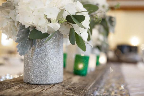 wood plank center table wedding decor