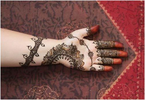 Dark black henna designs for wedding brides