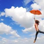 【夢占い】空を飛ぶ夢が意味する「吉兆」と「凶兆」11選