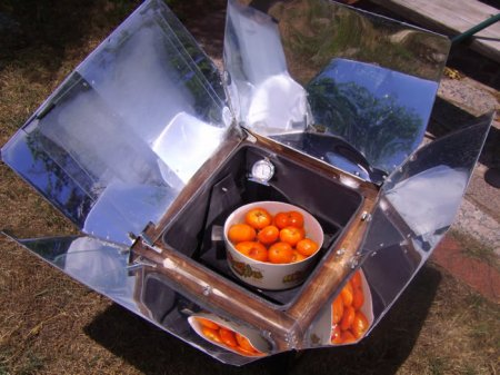 Солнечная печь / Solar oven with their hands