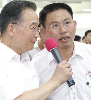 温总理在华坚中专学校
