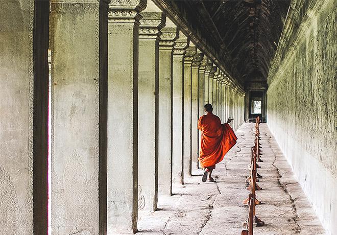 Holly_monahan_AList_Monk_Angkor_Wat