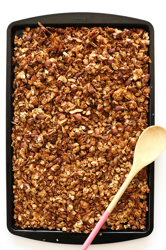 Simple Almond Joy Granola! 9 ingredients, #vegan #glutenfree friendly and SO delicious!!