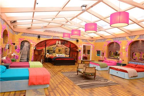 Latest Bigg Boss 9 contestants list Host name starting date news wiki house details 2015