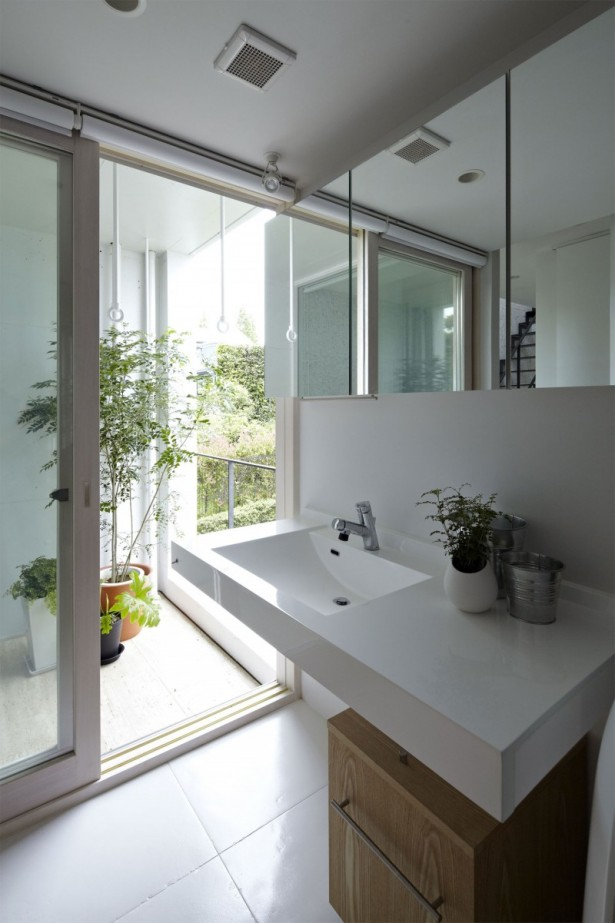 Amazing Minimalist House Design in Yamata Bluff Sloope: White Porcelain Basin Indoor Plant Modern Home Glass Sliding Door ~ dickoatts.com Amazing Home Designs Inspiration