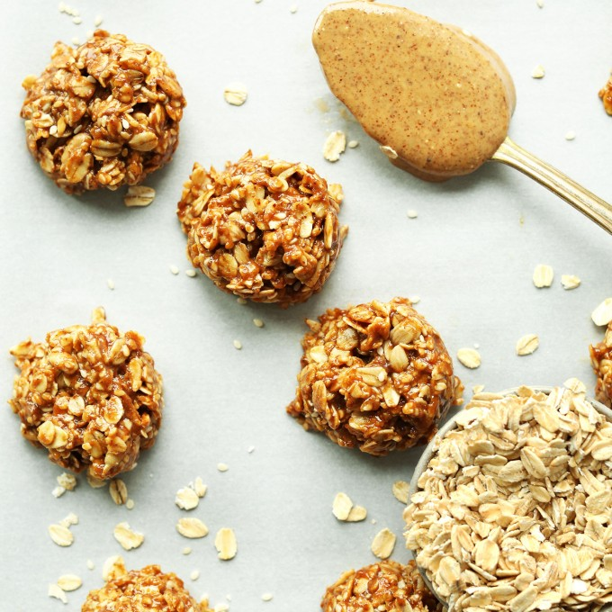 EASY Almond Butter No Bake Cookies with sesame and sunflower seeds! Naturally sweetened, butter-free, and #vegan #glutenfree | #cookie #recipe