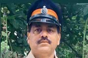 Mumbai: Out on family dinner, fearless cop rescues 85-yr-old from fire