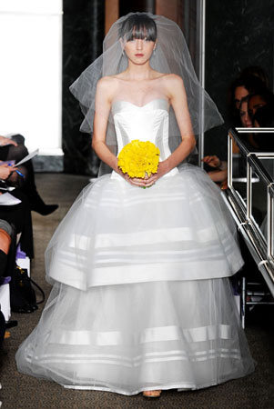Spring 2010 Bridal Collection Carolina Herrera 4