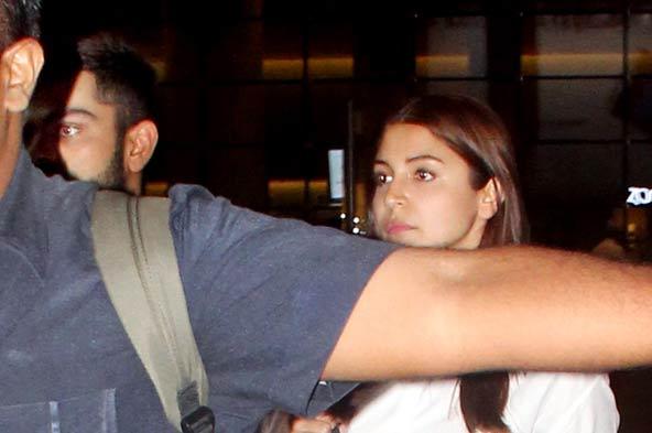 Photos: Anushka Sharma and Virat Kohli at Mumbai airport