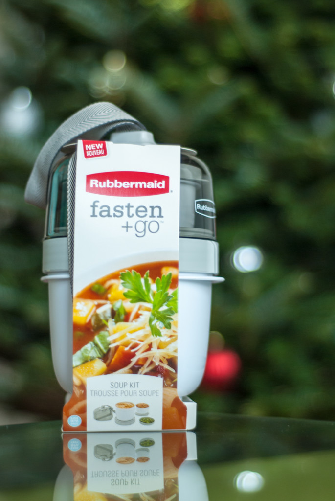 3 Holiday Travel Hacks with Rubbermaid fasten + go