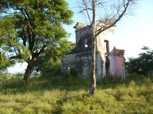 Túneles en el Campo de Golf Paraná, la casa embrujada