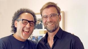 Der Filmemacher, Coach und Kabarettist David Kadel mit Liverpool-Trainer Jürgen Klopp. (David Kadel)