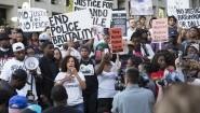 Teilnehmer einer Demonstration gegen Rassismus und Polizeigewalt gegen Schwarze in Dallas, Texas, USA  (AFP/ Laura Buckman)