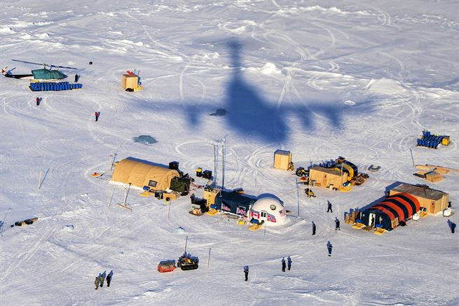 An Air Force C-17 Globemaster III aircraft flies over Ice Camp Sargo to support Ice Exercise 2016 in the Artic Circle, March 15, 2016. Air Force photo by Senior Airman James Richardson