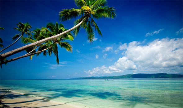 White sandy beaches, azure blue sky. Truly you are in paradise!