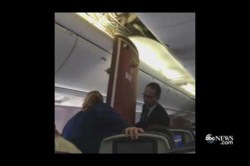 Ceiling Panels Fall During United Airlines Flight Video