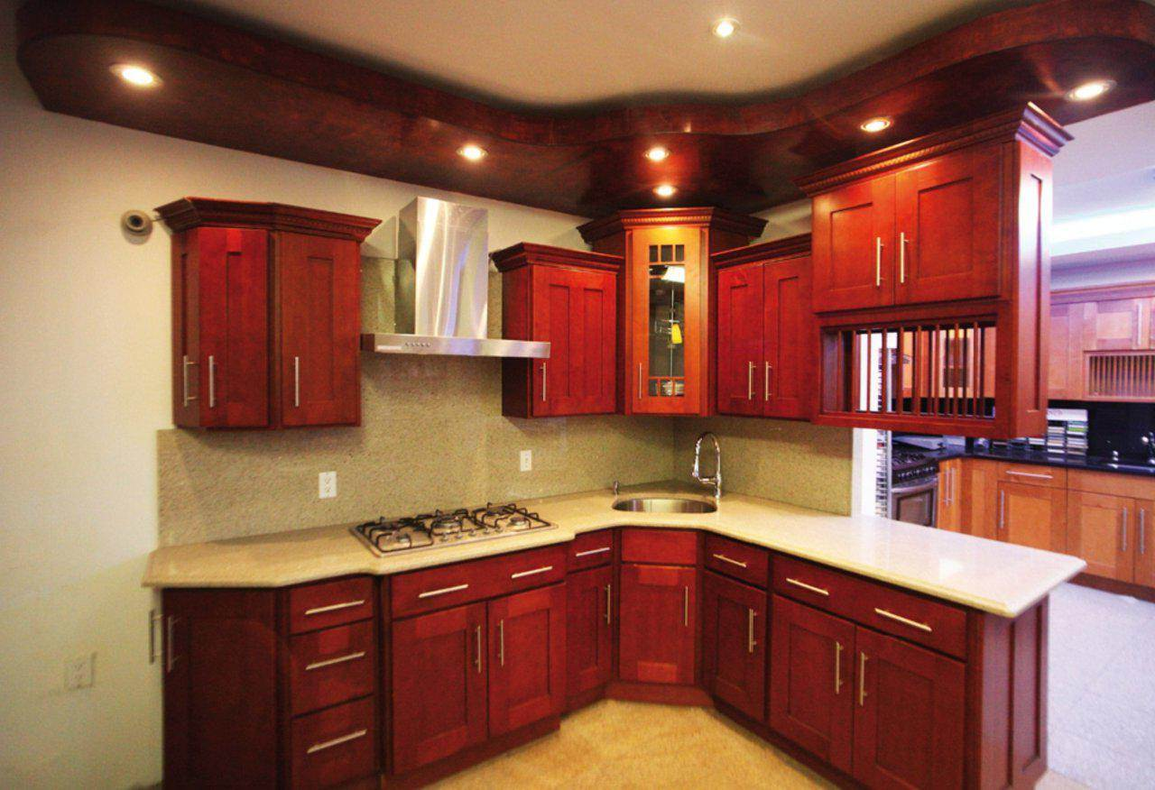 Image of: Maple Shaker Kitchen Cabinets