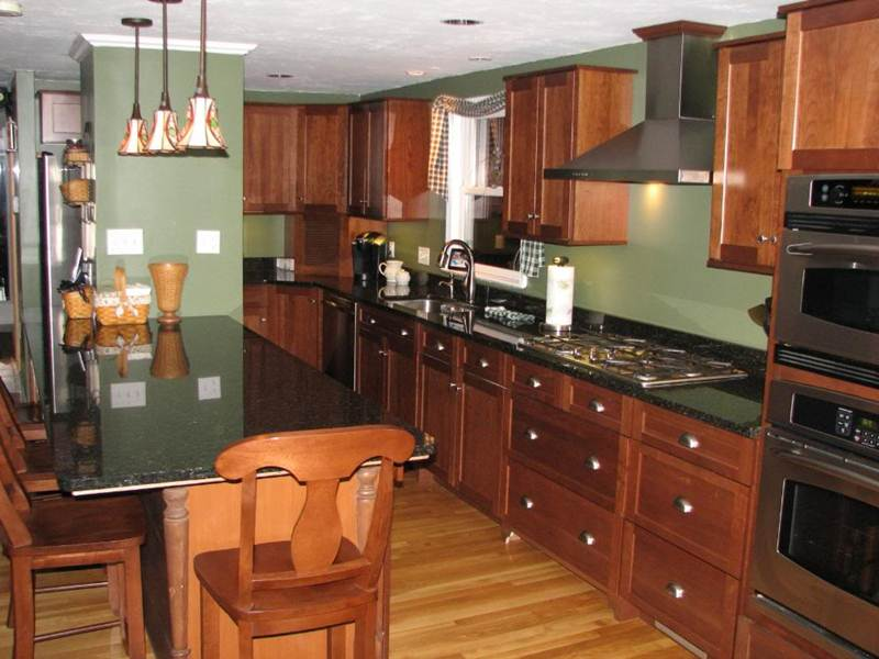 Image of: Solid Cherry Kitchen Cabinets
