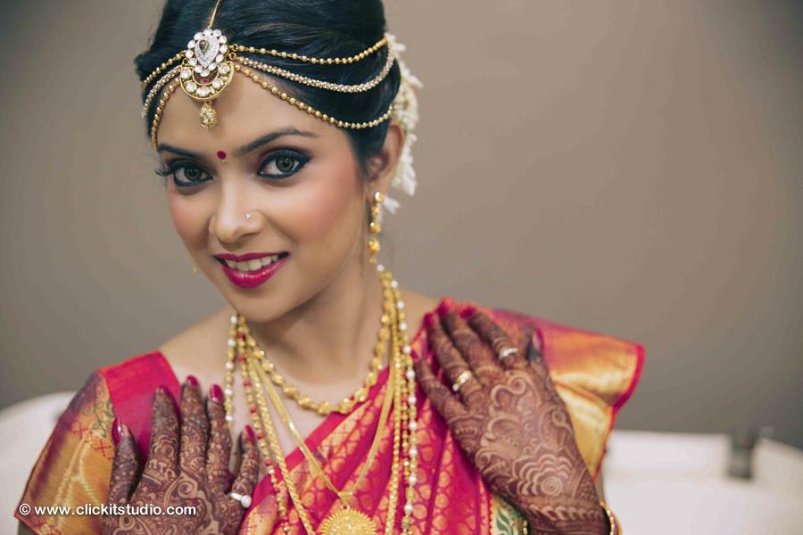Indian Jewelry Mumbai, Hands Jewelry, Indian Bridal Jewelry Ideas, Indian Wedding, Indian Bride, Henna Tattoo, Henna Tatoo Hands with Indian Bridal Hand Jewelry, bridal fashions,bridal jewelry,Hair & Makeup,Indian wedding makeup,Indian bridal, Indian Wedding Dresses, Beautiful Bride, Indian Bride, Henna Tattoo, Henna Tattoos in Mumbai Bridal Shoes, Indian Bridal Makeup