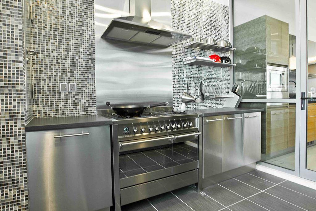Image of: Stainless Steel Kitchen Backsplash