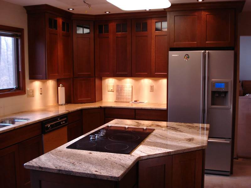 Image of: Cherry Kitchen Cabinets Pictures