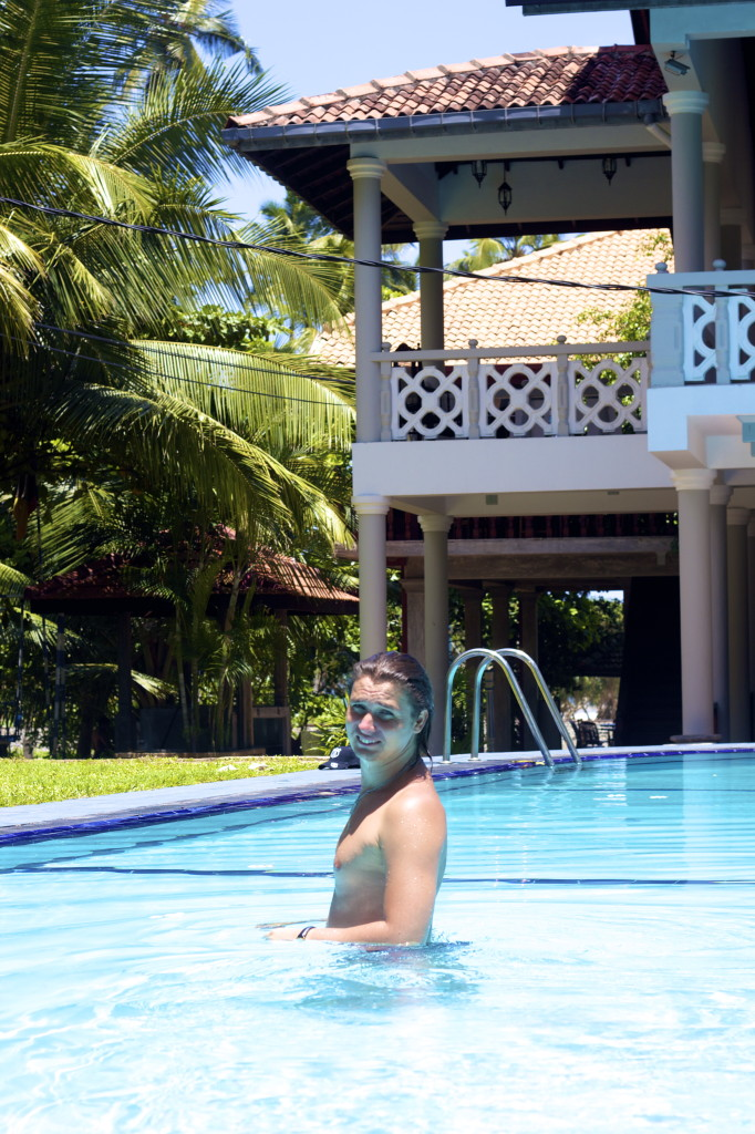 I swim in the pool in Wunderbar hotel, Bentota Resort, Sri Lanka