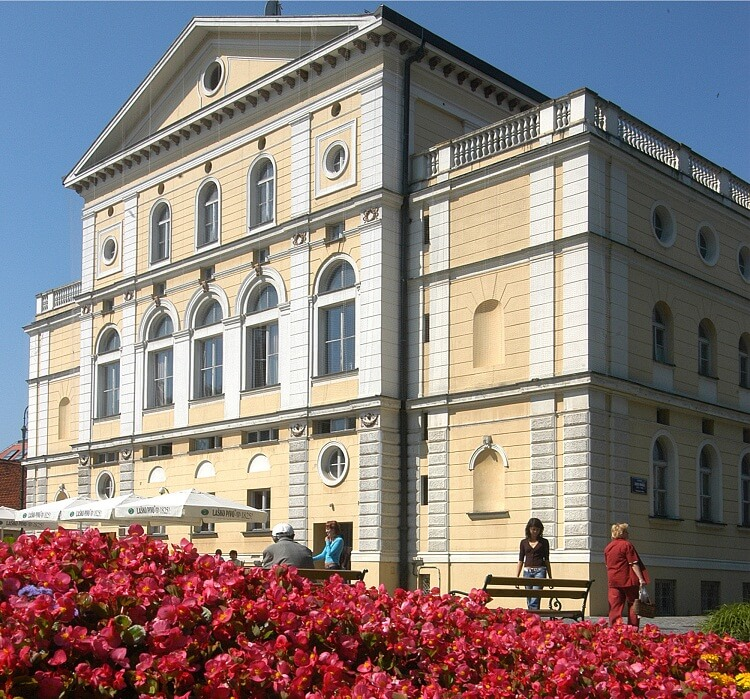 Croatian National Theater, Varaždin | Total Croatia