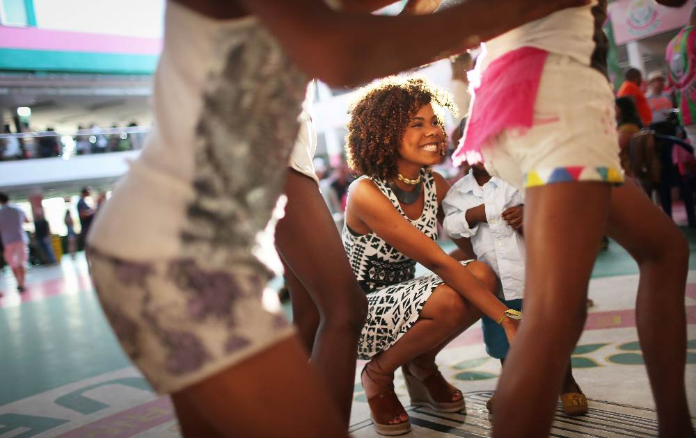 Passinho meets 'os Jogos': street dance craze invented in Rio hits the Olympic Games