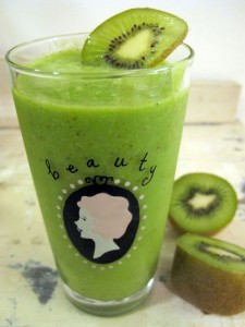 organic-beauty-talk-green-kiwi-smoothie