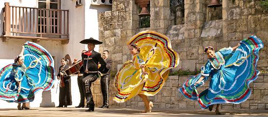 San Antonio, TX: Fiesta Noche del Rio Dancers at the Arneson River Theatre