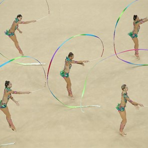 Russia rallies for gold in rhythmic gymnastics group final, Spain wins silver (AP)