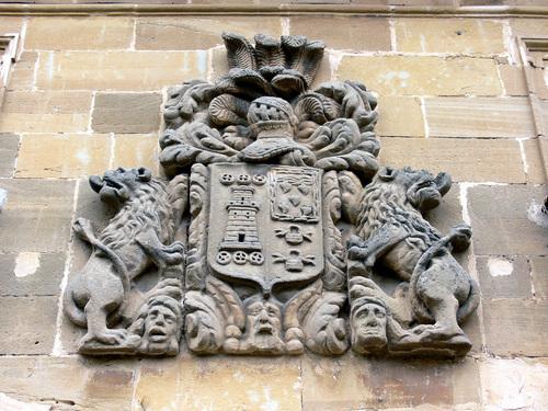 BRIÑAS (Alto Ebro). La Rioja. 2007. 10. Uno de los innumerables escudos nobiliarios que existen en Briñas.
