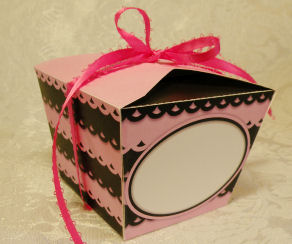 pink and black cupcake boxes
