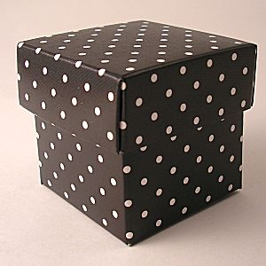 Black polka dot cupcake boxes